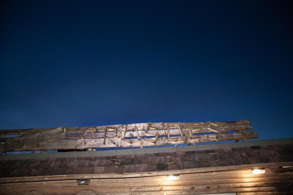 Crusoe's wooden sign Tynemouth Longsands Beach